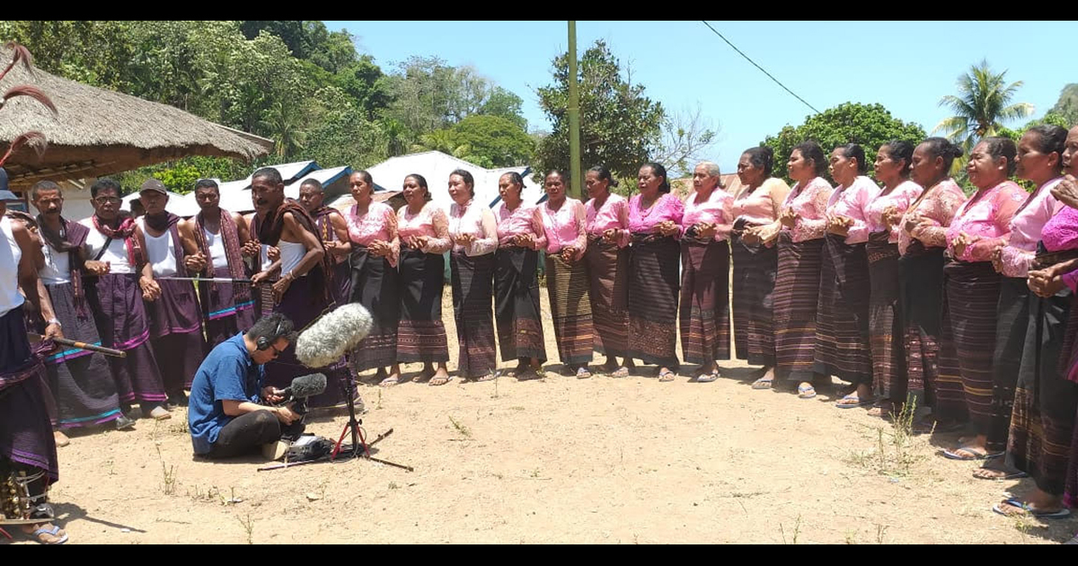 Recording Sole Oha chanting of the Lamaholot peoples in Flores Island, Indonesia